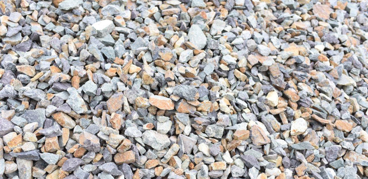 Щебень: виды, характеристики, особенности строительного материала